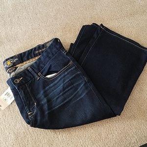 "Lucky Brand ""Sweet Jean"" dark bootleg jean sz 8/29"
